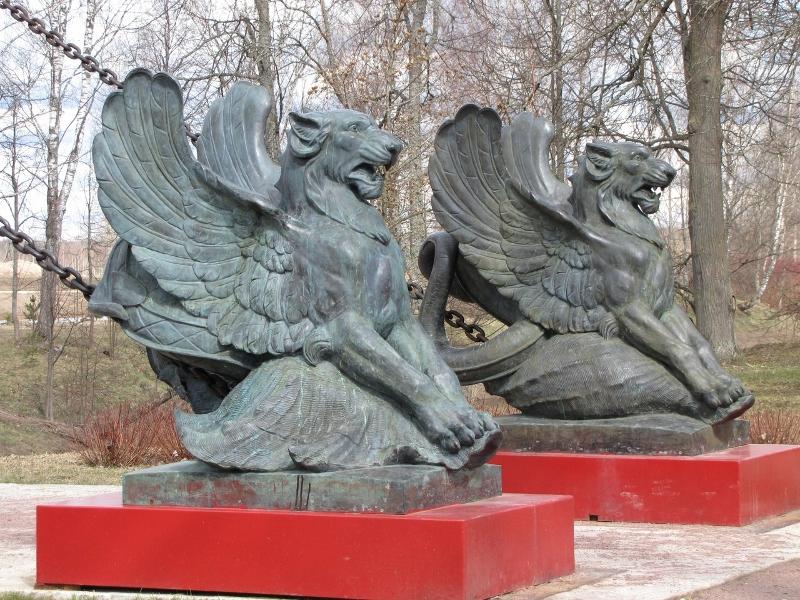 Усадьба Марьино. Скульптурная группа ХИМЕРЫ